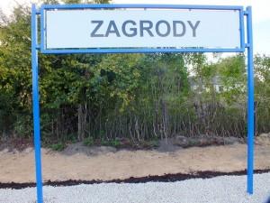 Tablica peronowa przystanku Zagrody